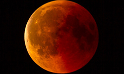 The Spiritual Meaning of a Lunar Eclipse On The Full Moon