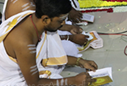 Group Narayaneeyam Chanting